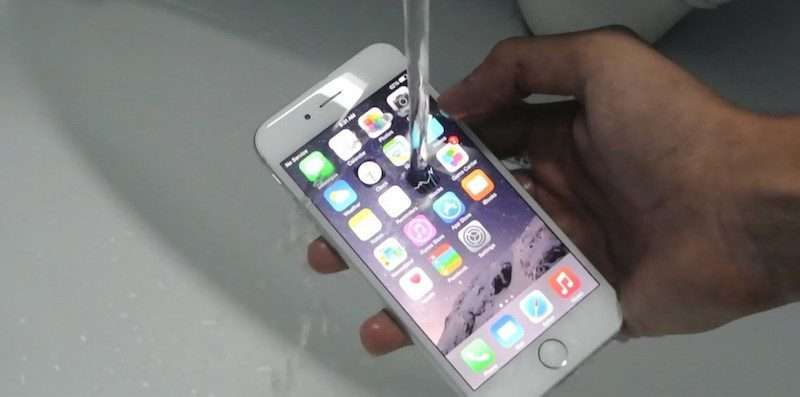 Our Lives Could Change Forever: New Pics May Prove The iPhone 7 Is Waterproof
