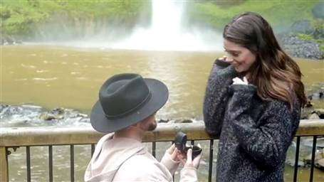 """Twilight"" Star, Ashley Greene Gets Engaged"